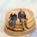 Altersarmut und Altersüberschuldung bilden aktuell einen traurigen Doppeltrend.