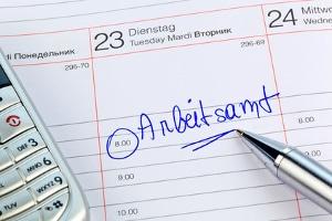 Beim Arbeitsamt Insolvenzgeld beantragen: Bei der Agentur für Arbeit wird der Insolvenzgeldantrag gestellt.