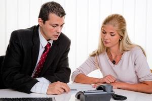 Zu den Aufgaben einer Schuldnerberatung zählt auch die Kommunikation mit den Gläubigern.