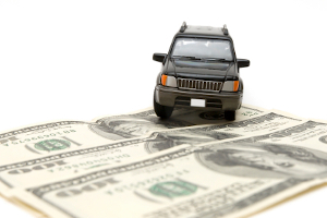 Vor einem Autokreditvergleich ist eine genaue Analyse der eigenen Finanzen unbedingt ratsam.