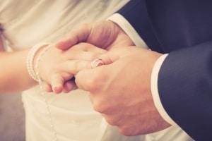 Für BAföG-Schulden muss der Ehepartner in der Regel nicht haften.
