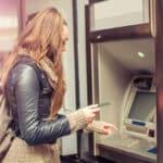 Bankkonto gesperrt: Eine Bank sperrt ein Konto zum Beispiel bei ungewöhnlichen Kontoaktivitäten.