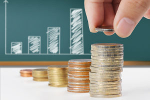 Eine Beratung zur Privatinsolvenz bietet unter anderem Unterstützung beim Antrag auf Eröffnung des Insolvenzverfahrens.