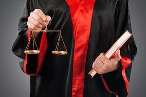 Betrug: Wann Wucher gemäß Strafrecht eine Straftat darstellt, muss im Einzelfall entschieden werden.