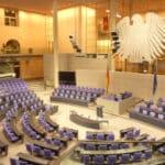 Der Bundestag hat dem Pfändungsschutzkonto-Fortentwicklungsgesetz zugestimmt. Nun ist der Bundesrat am Zug.