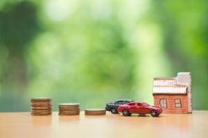 Ob Privatperson, Druckerei oder Dachdecker - Insolvenzversteigerung und Zwangsvollstreckung können Konten und Gegenstände betreffen.