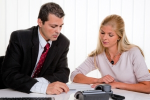Eidesstattliche Versicherung: Nicht ein Notar, sondern ein Gerichtsvollzieher nimmt diese ab.