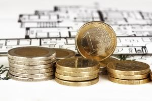 Die Eintragung eines Grundpfandrechts verursacht Kosten – Gebühren für den Notar und das Grundbuchamt.
