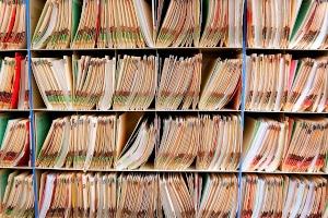 Kritiker fordern bei der Umsetzung der EU-Richtlinie zur Restschuldbefreiung, dass Daten zur Privatinsolvenz künftig nach einem Jahr gelöscht werden.