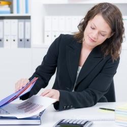 Forderungsabtretung: Buchen und Bilanzierung sind wichtige Punkte für das Finanzmanagement.