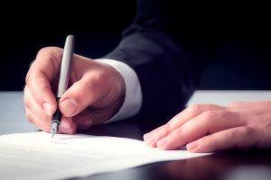 Formular für das Vermögensverzeichnis: Eine eidesstattliche Versicherung muss unterschrieben werden.
