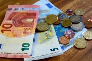 Der Freibetrag für das Gehalt der Eltern steigt mit der BAföG-Reform an.
