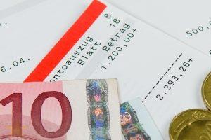 Freibetrag bei der Insolvenz: Die Pfändungstabelle gibt an, wie hoch der Betrag ausfällt.