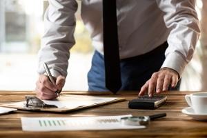 Eine OHG oder GbR muss keine Firmeninsolvenz anmelden, dennoch kann ein Insolvenzantrag sinnvoll sein.