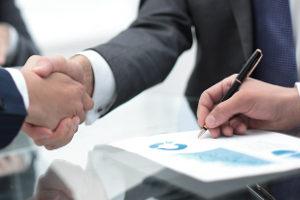 Mit der Globalzession überträgt ein Gläubiger all seine Forderungen gegen einen bestimmten Schuldner auf einen neuen Gläubiger.