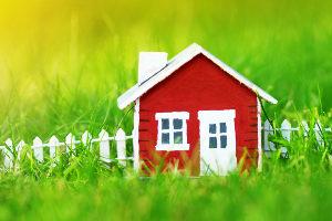 Gehört ein sanierungsbedürftiges Haus zum Nachlass, sind dies zwar keine Erbschulden. Trotzdem kann es hohe Kosten verursachen.