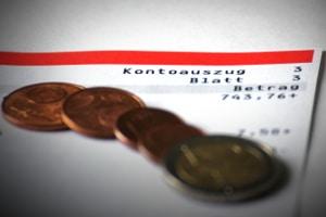 Bezahlen Sie viel mit Karte? Die Auszüge helfen, wenn Sie den Haushaltsplan ausfüllen.