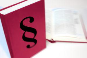 Die Abkürzung InsO steht für Insolvenzordnung, das wichtigste Gesetz zum Insolvenzrecht.