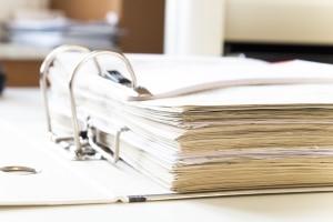 Insolvenz anmelden: Einzelunternehmen & Co müssen sich ans Insolvenzgericht wenden.