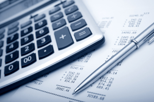 Um die Insolvenzquote zu berechnen, wird die Summe aller Insolvenzforderungen zur Insolvenzmasse ins Verhältnis gesetzt.