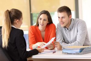 Fragen zum Insolvenzrecht klärt ein Anwalt, der sich auf dieses Gebiet spezialisiert hat, effektiv.