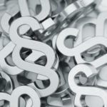 Zu den Insolvenzstraftaten gehören laut StGB unter anderem Bankrottdelikte und die Gläubigerbegünstigung.
