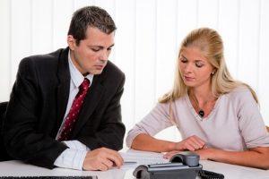 Insolvenzverfahren mangels Masse abgewiesen: Eine Privatperson kann die Verfahrenskosten stunden lassen.