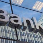 Sie können ein Jedermann-Konto bei der Sparkasse oder der Bank Ihrer Wahl eröffnen.