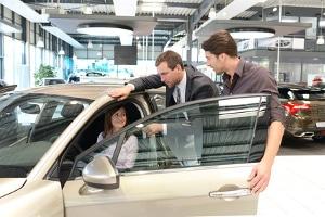 Informieren Sie sich vor der Kfz-Insolvenzversteigerung gründlich über das favorisierte Fahrzeug.