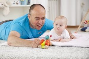 Zeiten der Kindererziehung werden bei der Grundrente berücksichtigt.