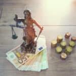 Das VG Neustadt hat entschieden, dass Kontoführungsgebühren rechtswidrige Inkassokosten sind.