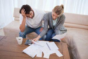 Die Kosten der Schuldnerberatung fallen bei gemeinnützigen Organisationen weg, sind aber mit langen Wartezeiten verbunden.