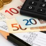 Der Kreditrechner errechnet für Annuitätendarlehen und Ratenkredite die Monatsrate und den Zinssatz.