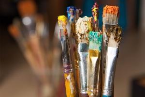 Auch Künstler können in Nordrhein-Westfalen Schulden-Soforthilfe beanspruchen, wenn sie aufgrund von Corona in Zahlungsschwierigkeiten geraten sind.