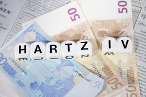 Die bisherigen Leistungenkürzungen bei Hartz IV sind verfassungwidrig. Der Sozialgesetzgeber muss die Sanktionen nun neu regeln.