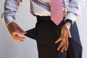 Kann eine GmbH ihre Lieferantenschulden wegen Zahlungsunfähigkeit nicht mehr bezahlen, muss der Geschäftsführer Insolvenz anmelden.