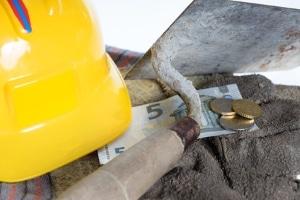Eine Lohnpfändung kann beim Drittschuldner, also z. B. beim Arbeitgeber gefordert werden.