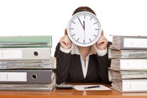 Setzen Sie in der Mahnung eine konkrete Frist, innerhalb der Sie die Zahlung erwarten.