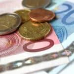 Bei einer Mahnung entstehen Gebühren, aber muss man Mahngebühren zahlen?