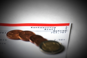 Sie müssen nach einer Pfändung das P-Konto nicht komplett kündigen, wenn Sie bei Ihrer Bank bleiben wollen.