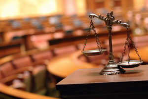Pfändungs- und Überweisungsbeschluss beantragen: Zuständiges Gericht ist das Vollstreckungsgericht am Wohnsitz des Schuldners.