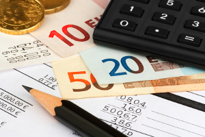 Pfändungsrechner: Bei einer Privatinsolvenz oder einer Zwangsvollstreckung können Sie den pfändbaren Betrag ausrechnen.