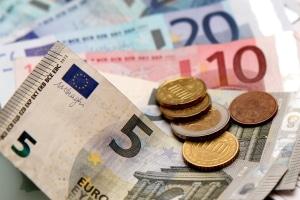 Während der Wohlverhaltensphase der Privatinsolvenz verteilt der Treuhänder Geld an die Gläubiger.