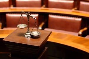 Beim Privatkonkurs in der Schweiz ist das Bezirksgericht zuständig.