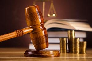 Zahlt ein Schuldner trotz Mahnungen seine Schulden nicht, folgen u. U. das Mahn- und Vollstreckungsverfahren.