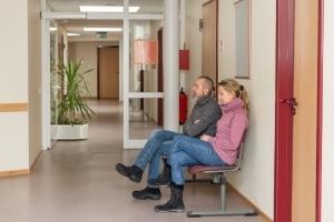 Ein Schuldenberater, der kostenlos verfügbar ist, hat oft lange Wartezeiten.