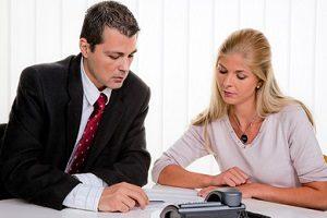Die Schuldnerberatung bietet professionelle Hilfe, um aus der Überschuldung herauszukommen.