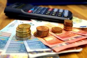 Eine Schuldnerberatung in Berlin hilft bei Zahlungsunfähigkeit.