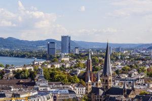 Die Schuldnerberatung in Bonn hilft den verschuldeten Städtern bei der Schuldenregulierung.