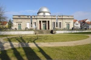 Öffentliche, staatliche und gemeinnützige Organisationen bieten die Schuldnerberatung in Göttingen kostenlos an.